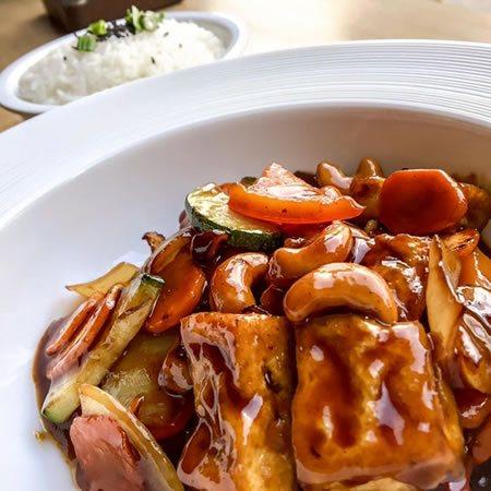 Orzechy nerkowca z tofu